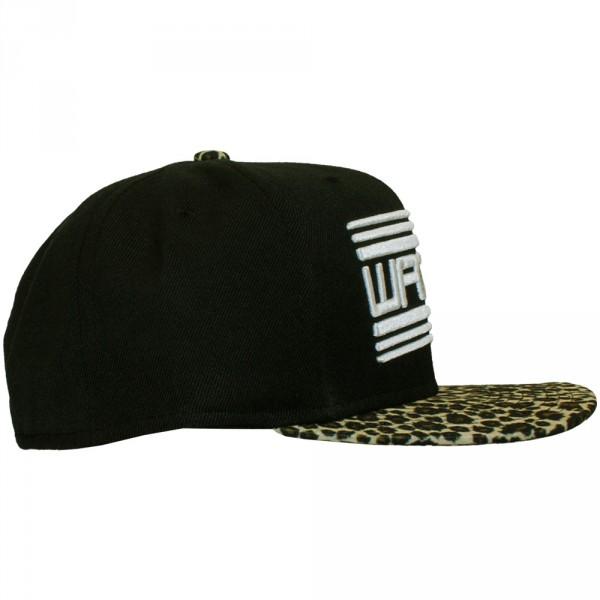 casquette snapback wati b basic logo black leopard. Black Bedroom Furniture Sets. Home Design Ideas