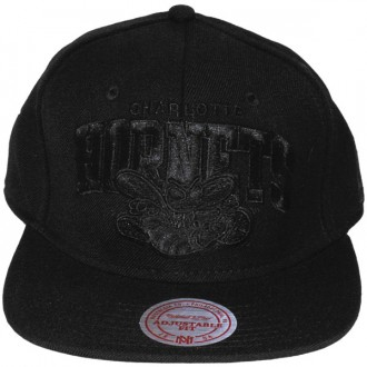 Casquette Snapback Mitchell & Ness - NBA Black On Black - Charlotte Hornets